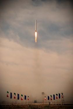 پرتاب نخستین ماهواره نظامی ایران به نام ماهواره نور