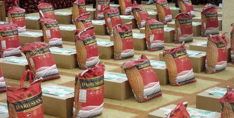 توزیع 3400 بسته معیشتی در بندر دیر + عکس و فیلم