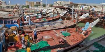 توقیف یک شناور صیادی «ترال» در آبهای بندرلنگه/ برخورد قاطع «دستگاه قضا» با صید به روش ترال در خلیج فارس