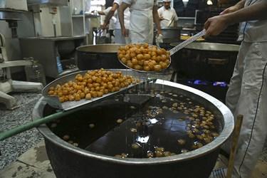 این نوع خوراکی در روغن با حرارت بالا تهیه شده و پر از چربی و قند است