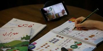 دانشآموزان و معلمان کنگان از دردسر تدریس مجازی میگویند