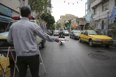 توزیع بسته های بهداشتی و ضدعفونی کننده در محله هرندی