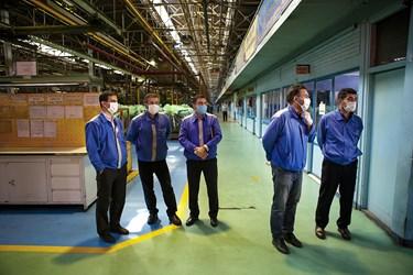 کارکنان خط تولید موتور دیزل 355 و 457 خودرو های تجاری ایدم /تبریز