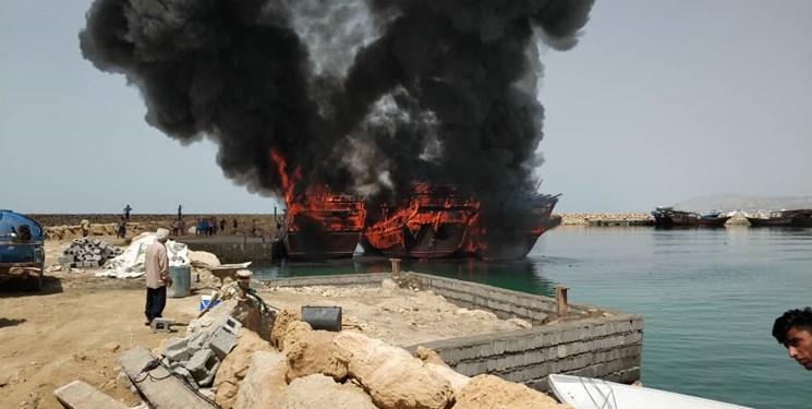 آتشسوزی 3 فروند لنج صیادی در «بندر مقام»+عکس