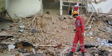 نجات اعضای خانواده از حادثه ریزش ساختمان قدیمی در شیراز