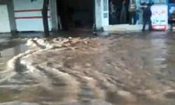 فیلم| آبگرفتگی معابر محمودآباد پس از بارندگی