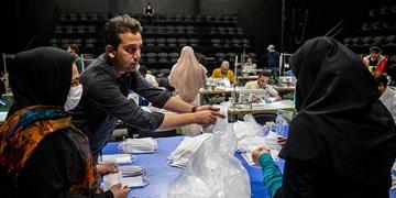 کارگاه تولید ماسک جدید هنرمندان تئاتر راه اندازی شد/ چالش های تولید تا توزیع ماسک با کیفیت
