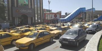 ثبت نام ۸۰۰ راننده تاکسی برای نوسازی خودرو در ارومیه/ بدقولی خودروسازان عامل اصلی تعویق نوسازی