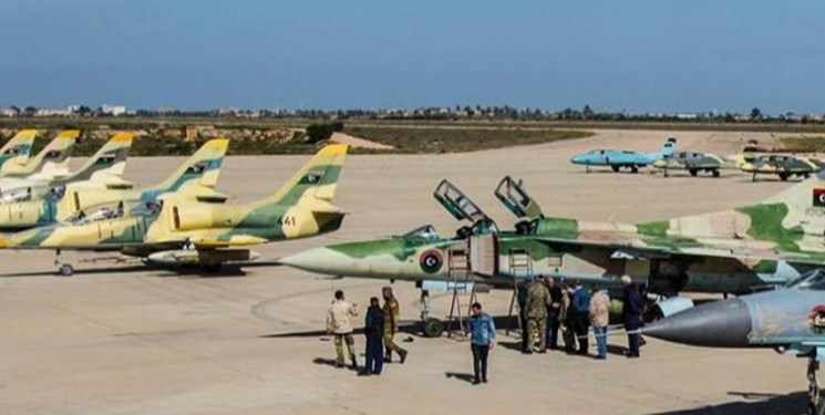 حمله جنگندههای ناشناس به غرب لیبی یک روز پس از سفر وزیر دفاع ترکیه