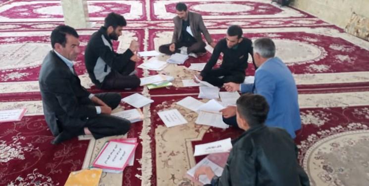 ماموریتهای کرونایی گروه جهادی شهید خالدی/ از تولید ماسک تا توزیع بسته معیشتی