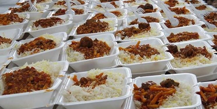 توزیع ۱۰۰ هزار وعده غذای نذری در حاشیه شهر مشهد