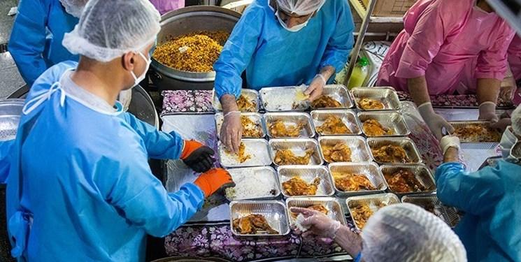 هیأتیها ۲۰ هزار پرس غذای گرم برای نیازمندان میپزند