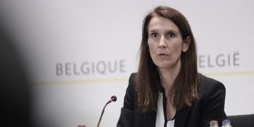 فیلم | اعتراض عجیب پرستاران و پزشکان بلژیکی به نخست وزیر این کشور