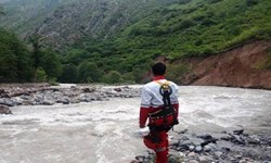 جستجوی 3 اکیپ امدادی برای پیدا کردن 2 مفقودی در رودخانه جاده چالوس