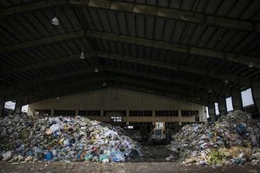 پسماند یا به اصطلاح عام زباله و آشغال، یعنی تمام مواد زاید حاصل از فعالیتهای انسان و حیوان که غیرقابل استفاده و بی مصرف باشد /شهر کهریزک