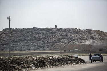 زباله های منتقل شده از شهر به مرکز تفکیک پسماند /شهر کهریزک