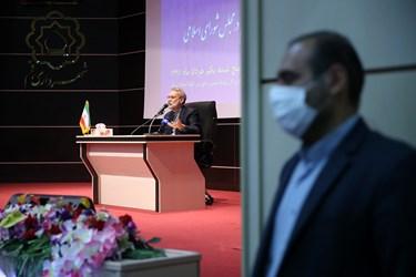 سخنرانی علی لاریجانی در نخستین نشست شورای اداری استان قم در سال جاری و همچنین آیین تکریمش  در سه دوره نمایندگی مردم قم در مجلس