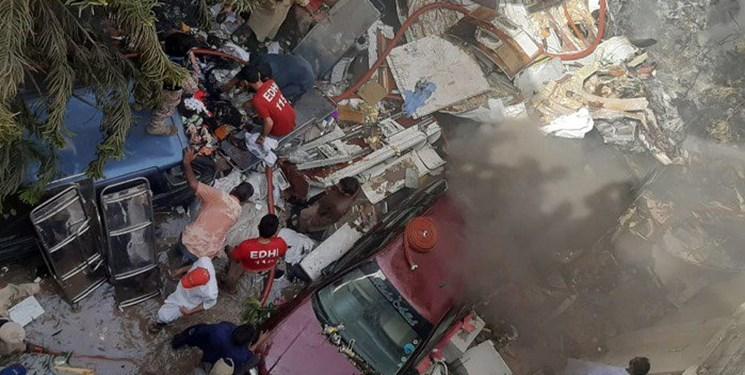 سقوط هواپیمای مسافری پاکستان در مسیر لاهور به کراچى