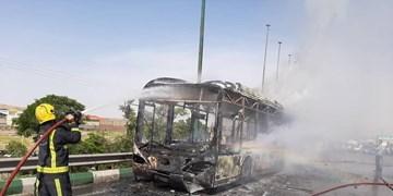 آتش به جان اتوبوس در تبریز افتاد+ عکس