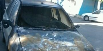 آتش، ۶ خودرو را در میانه سوزاند