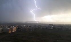 فیلم|تصاویر ناب از رعد و برق بهاری
