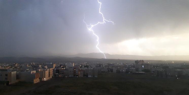 بارشهای بهاری در کشور ادامه دارد/رگبار باران و رعد برق در اغلب شهرها