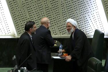 حضور محمدباقر قالیباف بر جایگاه صندلی  مرتضی آقاتهرانی نماینده مردم تهران