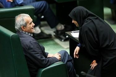 مسعود پزشکیان نماینده مردم تبریز، آذرشهر و اسکو در دومین نشست مجلس یازدهم/ انتخاب هیات رئیسه