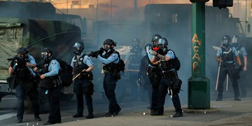 گزارشهایی از قطع ابزارهای ارتباطی در آمریکا در بحبوحه اعتراضات