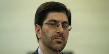 رضاخواه: دولت اقتصاد کشور را به مذاکره گره نزند