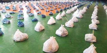 کمک مؤمنانه همچنان ادامه دارد/ توزیع ۵۰۰ بسته معیشتی و نان رایگان میان نیازمندان پارسآباد