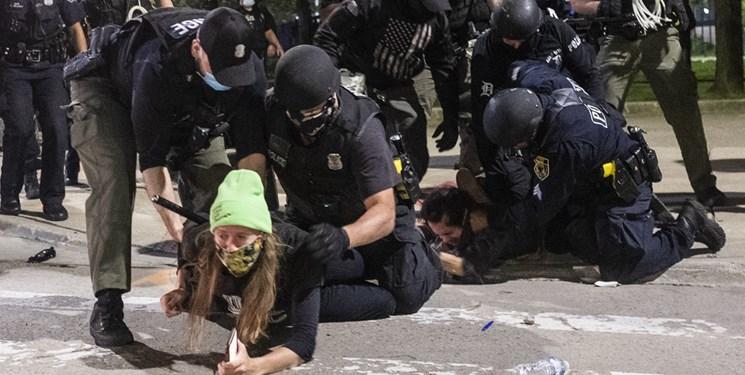 هشدار جنگ داخلی در آمریکا؛ تحلیلگر غربی: آمریکا دچار اختلال سیستمی است