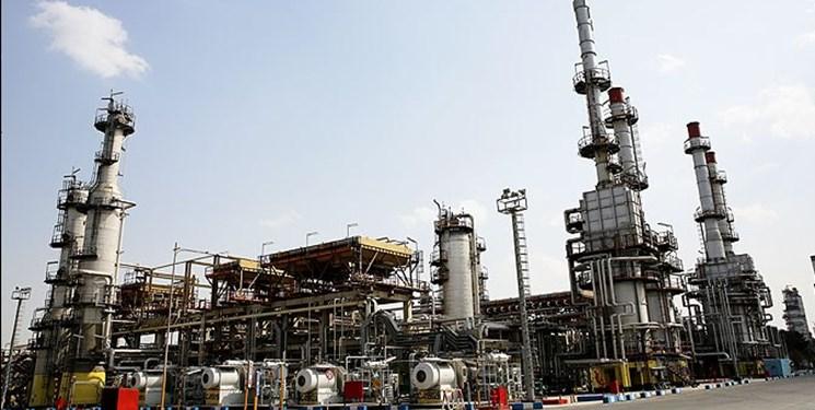 وزارت نفت باید از تهران خارج شود