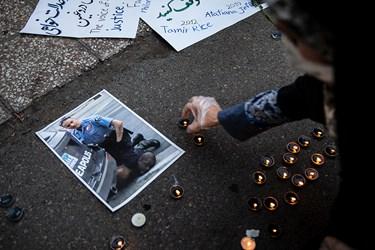 روشن نمودن شمع در یادبود قربانیان نژاد پرستی