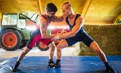 تمرینات قهرمان کشتی جهان در مرغداری/استابلر در آرزوی کسب مدال المپیک توکیو