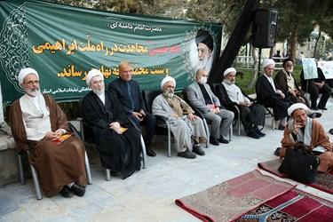 حضور علما و روحانیون در مراسم بزرگداشت یوم الله 15 خرداد در مدرسه فیضه