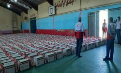 کمک مؤمنانه| اهدای ۱۰۰۰ بسته معیشتی  از سوی جمعیت هلالاحمر گیلان