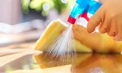 گوشی و سطوح چوبی را برای در امان ماندن ازکرونا تمیز کنید