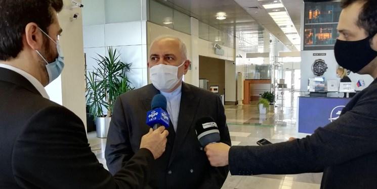 ظریف: سفرم به مسکو متعاقب گفتوگوهای روحانی و پوتین انجام شده/روابط ایران و روسیه راهبردی است