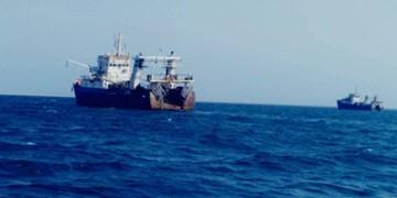 توقیف 2 فروند کشتی صید ترال توسط نیروی دریایی سپاه درمحدوده آبهای چابهار