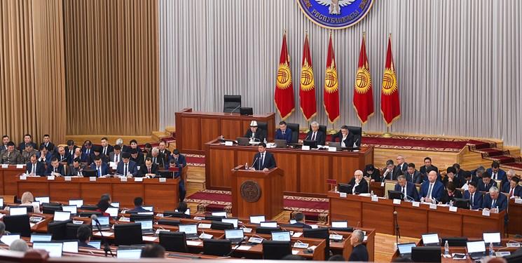 قرقیزستان  احزاب سیاسی انتخابات پارلمانی؛ «کرونا» مهمترین رقیب