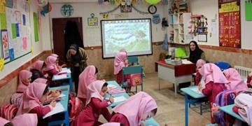 معلمان مدارس غیرانتفاعی: ما را هم استخدام کنید