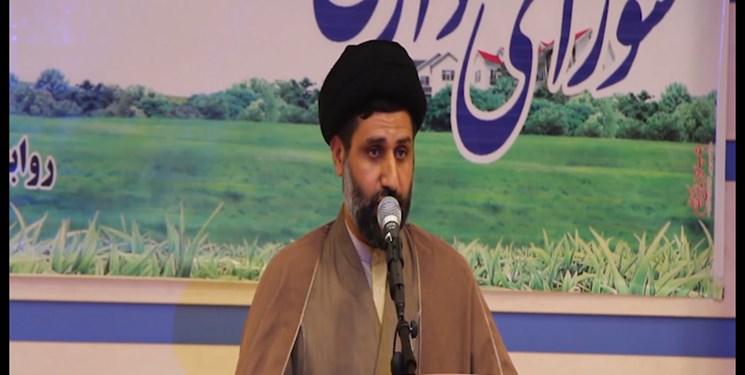 در جامعه اسلامی باید مسؤولان با کرامت با مردم برخورد کنند