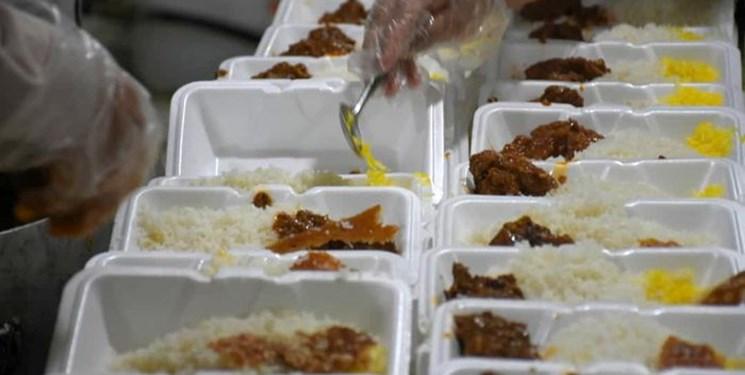 وعده از دانشگاه علوم پزشکی مشهد، اقدام از قرارگاه خاتم الانبیا(ص)!/ روزانه ۲ وعده غذای گرم برای ۱۵ مجذوم ناتوان در مشهد تامین شد