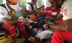 نجات مصدوم از ارتفاعات گلافشان یزد توسط امداد هوایی هلالاحمر کرمان