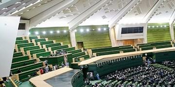 مجلس در حل معضلات اساسی اقتصاد و فرهنگ وارد عمل شود