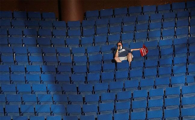 13990402000395 Test NewPhotoFree - رئیس کارزار انتخاباتی ترامپ: صندلیهای خالی کار گروه موسیقی «پاپ کرهای» بود!