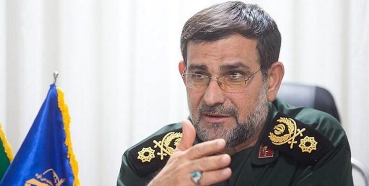 فرمانده نیروی دریایی سپاه: تقدیم ۱۳ هزار شهید از افتخارات نیروی انتظامیاست