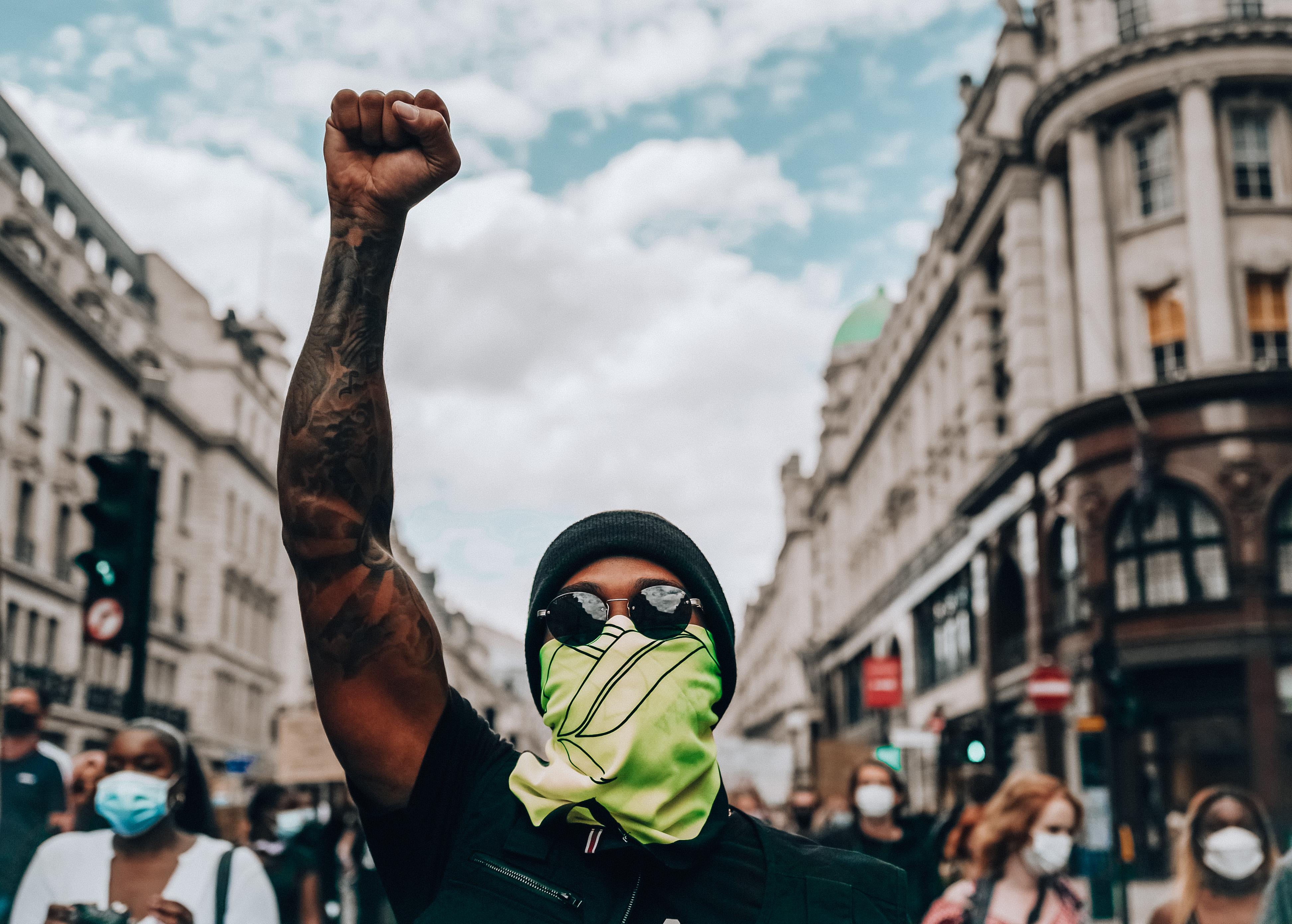 13990402000599 Test NewPhotoFree - حضور قهرمان فرمول یک جهان در تظاهرات علیه نژادپرستی/همیلتون: تغییرات مثبت در راه است