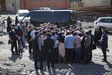 مصاحبه خبرنگاران با رئیس سازمان برنامه و بودجه، وزیر راه و رئیس بنیاد مستضعفان در حاشیه بازدید از منطقه 2 آزادراه تهران ـ شمال